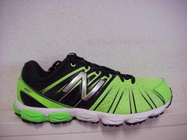 Bild 1 - New Balance Sneaker grün KJ890